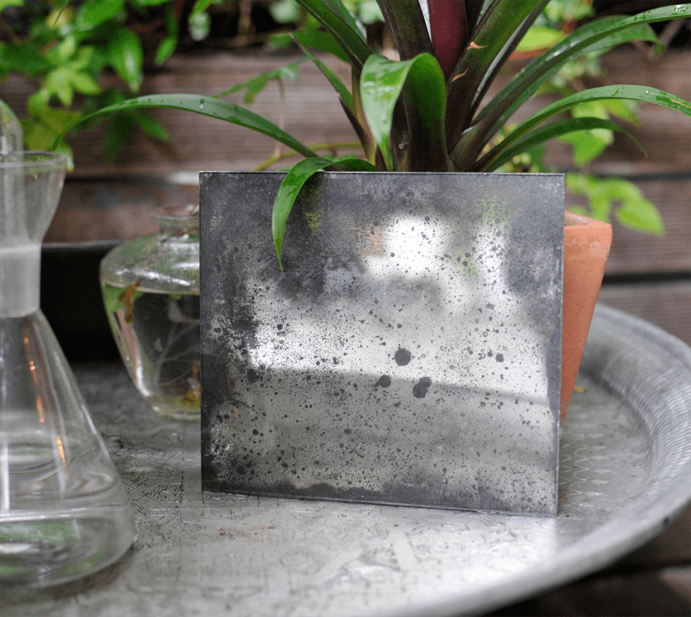 Specchio a bagnatura d'argento fortemente anticato
