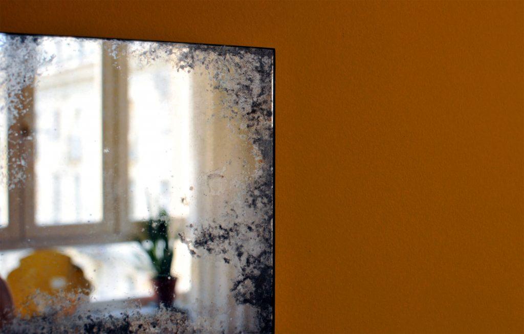Specchio argentato a mano con anticatura media